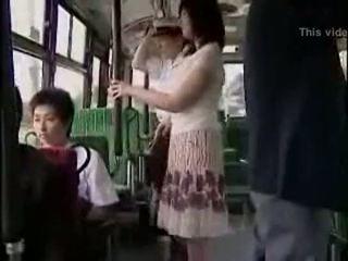 הפתעה hanjob ב אוטובוס עם double מאושר ending