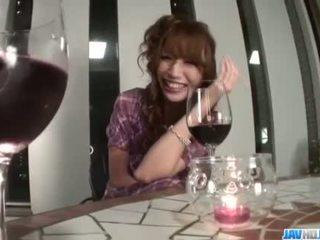 醉 aya sakuraba gets 討厭 同 她的 濕 的陰戶
