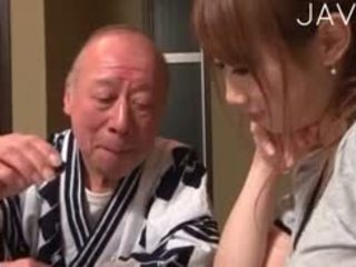 японський, немовля, старий + молодий