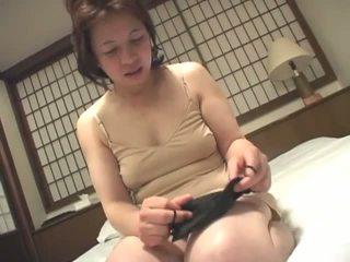 ruskeaverikkö, japanilainen, masturboi