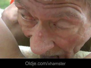 Scrawny tua orang does anal 21 seksi longhaired rambut pirang
