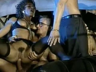 Julia chanel ārā gangbang video
