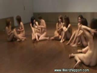 Γυμνός jap γυμναστήριο κατηγορία