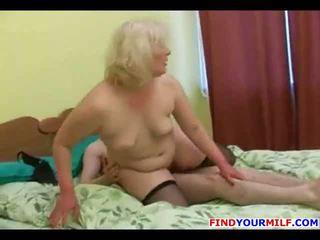 Horny mature slut get facial from young man