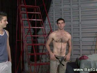 Normal guy arată lui fierbinte corp