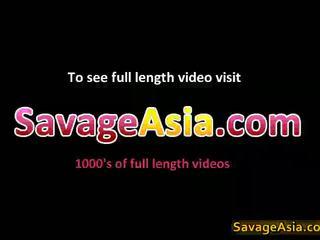 Sexy asiatico giovanissima stripping