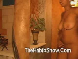 Ze gezocht haar eerste seksueel ervaring naar zijn op camera