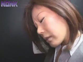 Betrunken unternehmen frau was leicht prey für elevator maniac