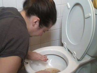 Brunete vemšana vomit puke vomiting neļaušana runāt pukes