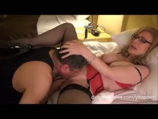 Nina hartley meets dapperdan pie exxxotica uses viņa seja par cuntlick lesson