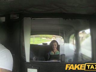 Fake taxi prague beauty squirting pada kamera