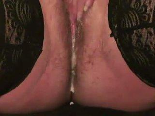 Elegantas seksuālā mums matainas blondīne māte markas squirting fountain