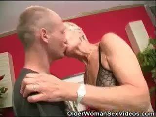 Dentures và blowjobs bà nội