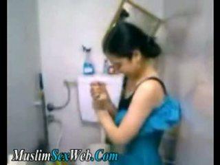 Egyptian Gf Fingered In Toilet