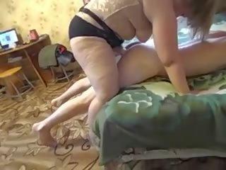 Pieauguša māte un viņai guy-son amatieri strapon: bezmaksas porno a2