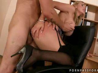 sesso hardcore, pompini, eiaculazioni