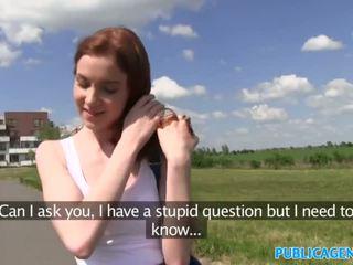 Publicagent sexy pelirroja estudiante follada desde detrás en un hill