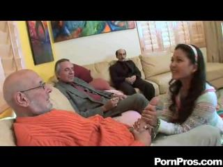 Аматьори смучене multiple dicks