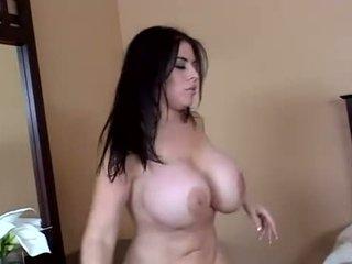 امرأة سمراء, الجنس المهبلي, الجنس الشرجي