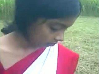 Young india prawan boos ngisep at the out doo