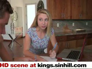 Grande tetta mamma teaches suo graziosa giovanissima figlia a bang - kings.sinhill.com