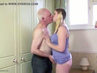 Gordinhas jovem grávida cona filled com velho caralho