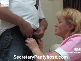 Emilia と desmond オフィス hose ポルノの ビデオ