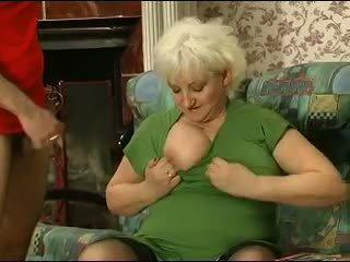 Blond grannie - punishment turns sisse seks