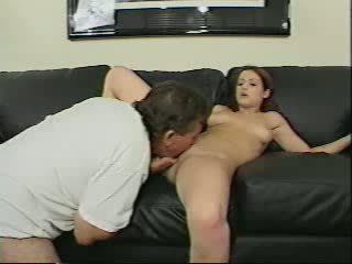 Pa gets betrapt sniffing slipjes door daughters frie video-