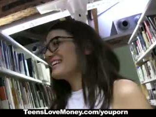 Teenslovemoney - library nerd fucks for cash