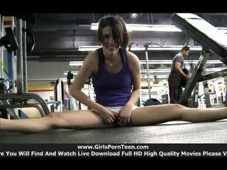 खेल कोई, फ्री व्यायामशाला, असली एकल लड़कियां फ्री