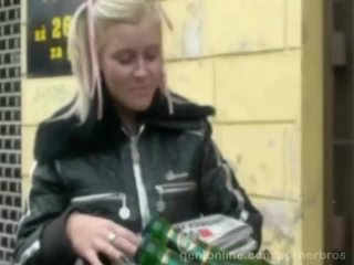 Süß tschechisch vollbusig mieze alexa fett gefickt im ein rallig video