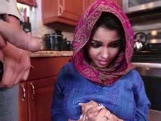 Ada egy kívánós arab tini gets szar és filled -val elélvezés