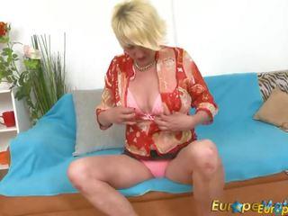 Europemature Hot Lady Amanda Solo Pussy Play