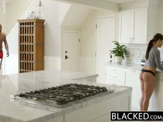 Blacked novia adriana chechick cheats con un enorme negra polla