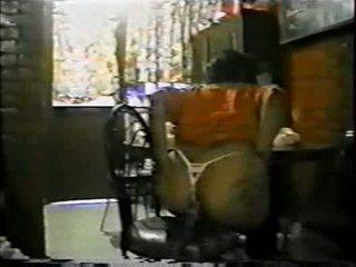 Mexicana asiendo анал con un palo de escoba