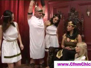 Femme habillée homme nu grecque queens paluchage guy