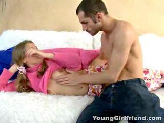Winsome χρυσαφένιος haired έφηβος/η gal trinity acquires ροζ μουνί shaged
