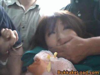 Chicas abusada onto la autobús