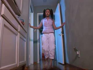 स्किनी बेब evelyn lin हार्डकोर वीडियो