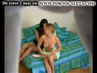 Camara oculta een mi hermana y su amiga parte 1 wwwpornocal