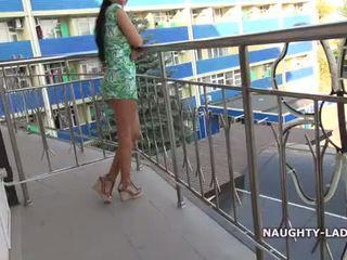 Zibspuldze un kails par the balkons