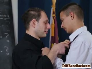 Dilf מורה facializes סטודנט לאחר כיתה
