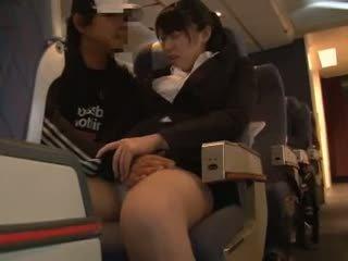 Officelady befummelt im airliner