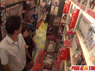 japán, nyilvános szex, blowjob