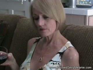 Stap mam sucks af haar zoon