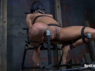 महिला tied ऊपर और गड़बड़ फ्री वीडियो