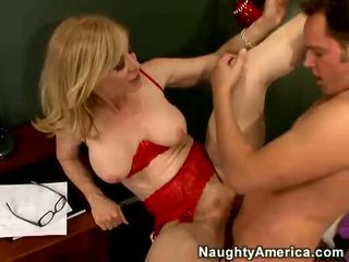 Nina hartley acquires henne cookie filled med juvenile cunt
