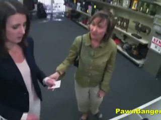 brunetta, cazzo duro, pussyfucking