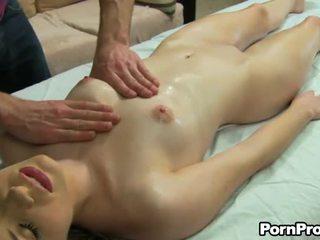 Hard boner gedurende massage